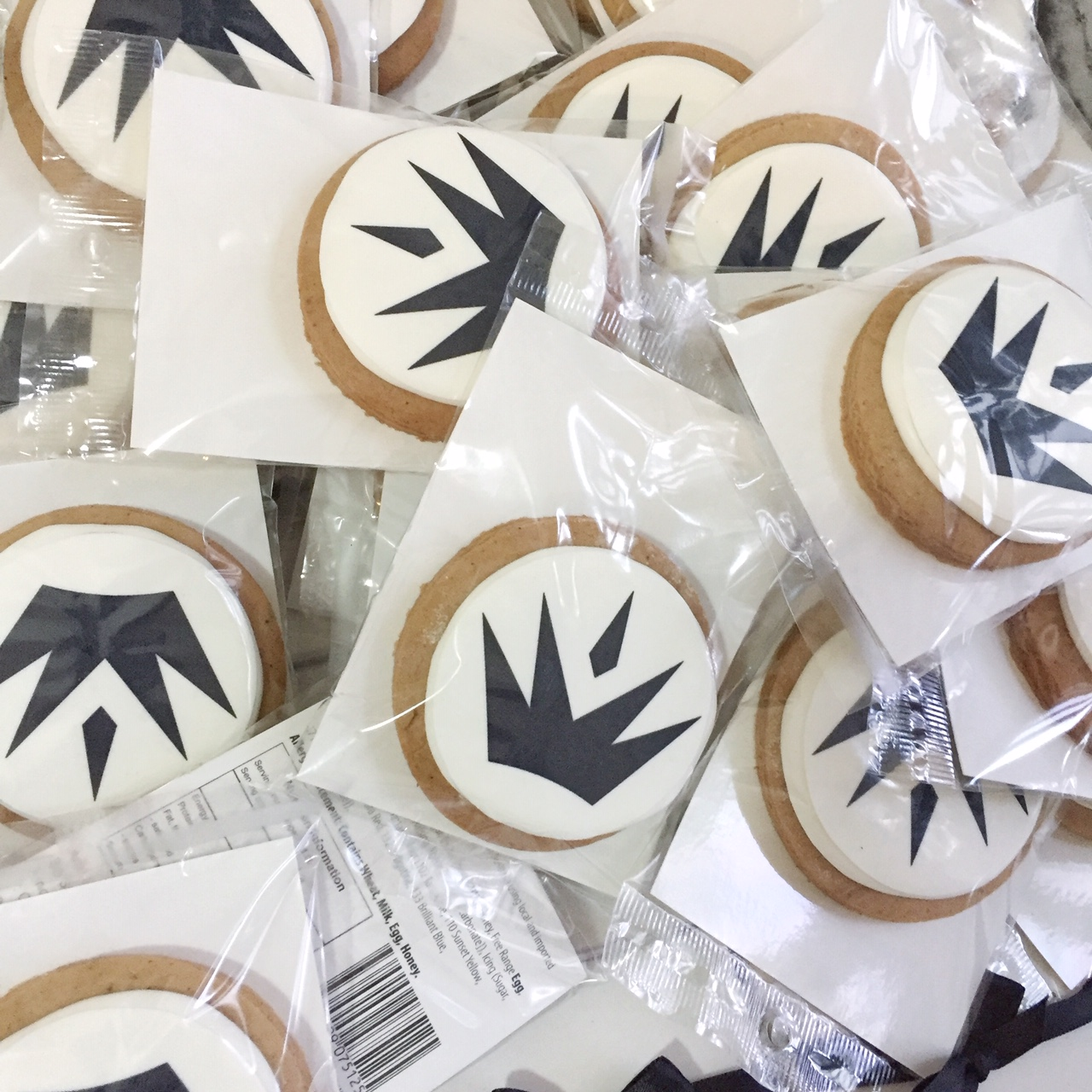 Branded cookies for Maren Morris' Media Kits