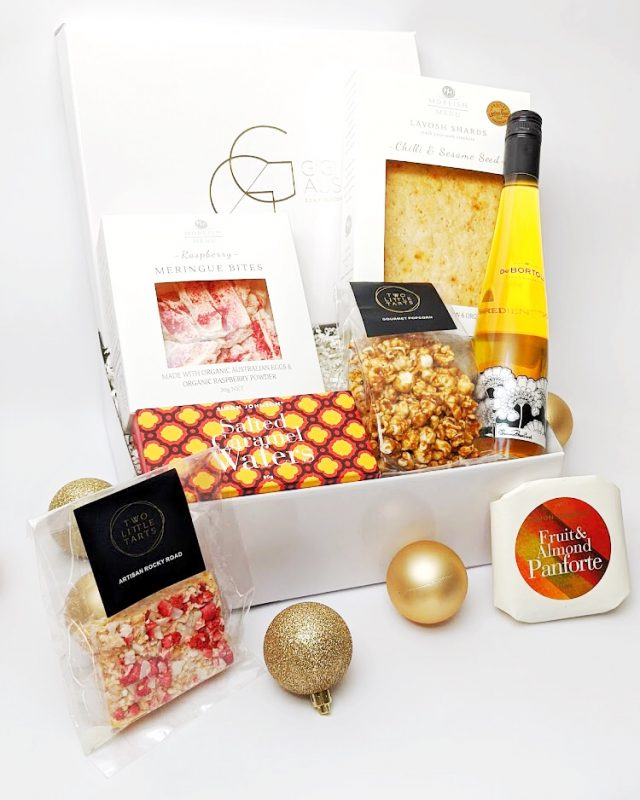 ultimate artisan luxe christmas hamper_red_close up